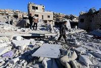 Bombardování zničilo dvě nemocnice v Sýrii. Nejméně 19 lidí zahynulo