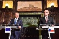 """Nezapomínejme na pomoc Řecku, popíchl v Praze """"prezident"""" EU Tusk"""
