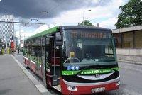 Bus na baterky v Praze už najetými kilometry málem objel svět, zvládá i mráz