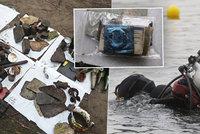 Potápěči zkoumali dno Vltavy v Praze: Našli spoustu divných věcí i revolver!