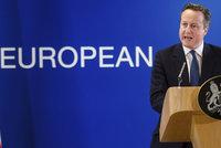 Cameron přiznal, že měl milion v daňovém ráji. A šéf rakouské banky už odstoupil