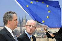"""""""Jen šílenec podporuje vystoupení z EU."""" Dienstbier a Sobotka kritizují czexit"""