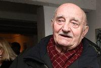 Herec Josef Somr (86) má strach vyjít z domu! Sužuje ho stesk