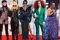 Ceny Brit Awards jako na plese příšer  Šokující sado-maso modely i plesové  šaty 11d7119094
