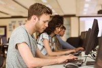 Firmy zápolí o absolventy. Šanci mají hlavně programátoři a ekonomové