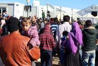 """""""Dobrovolníci, do akce!"""" volají aktivisté. Plánují výjezd za uprchlíky"""