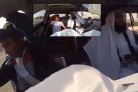 Falešný džihádista postrašil pasažéry v taxi: Jeden se rozbrečel, druhý vyskočil za jízdy
