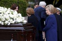 Tisíc lidí se loučilo s Nancy Reaganovou. Ta si pohřeb naplánovala sama