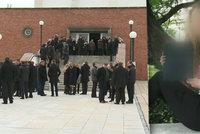 Poslední rozloučení s ubodanou studentkou z Brna: S Katkou se přišly rozloučit desítky lidí