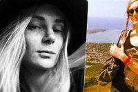 Krásná modelka se upálila: Trpěla depresemi z nedostatku práce