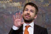 Češi, hlašte víc korupci, lákají poslanci občany. A chtějí bič na daňové lumpy