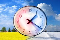 O víkendu se změnil čas, už nás to čeká jen jednou. Přetočili jste si hodinky?