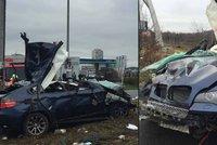Řidič BMW ujížděl policistům a vyboural se. Strážci zákona mu zachránili život