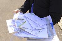 Pošťáci v Kuřimi vyhazovali dopisy do popelnice! Peníze za zásilky si nechávali