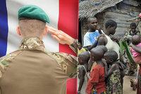 Bestiální francouzští vojáci: V Africe nutili dívky k sexu se psy