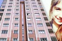 Modelka (†20) spáchala sebevraždu: Nahá vyskočila z okna!