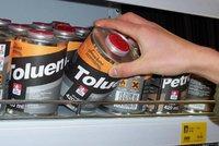 Oleje, baterie, chemikálie: Kdy a kam s nebezpečným odpadem v Šeberově?