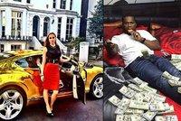 Zlatá mládež se chvástá na internetu bohatstvím: Rodiče kvůli tomu vyšetřuje berňák a policie