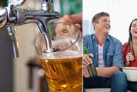 Češi přestávají chodit na pivo do hospody. Radši popíjejí doma, hospody trpí