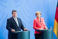 Merkelové se prý postaví její vicekancléř Gabriel. Ve volbách ji porazí těžko