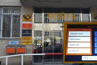 Konečně. Pošta v Kafkově ulici se dočkala vyvolávacího systému: Umí i něco navíc