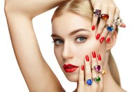 Trendy ve špercích: In jsou kulaté a barevné kameny!