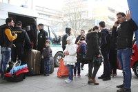 První čtyři uprchlíci z bruselských kvót jsou v Česku. Vnitro jejich pobyt tají