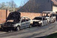 Na Přerovsku shořela čtyři auta: Zapálil je někdo úmyslně?