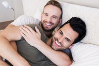 Mladší z bratrů bývá gay, zjistila studie. Může za to protein v ženském těle