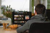 Spořitelna žádá poplatky za online porno i hazard: Co všechno o nás banky vědí?