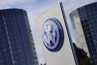 Začal soud s Volkswagenem. Akcionáři chtějí 231 miliard odškodného za skandál s emisemi