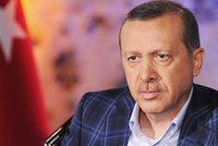 Střelba, žaloba od prezidenta, 6 let za mřížemi: Turecko soudilo novináře