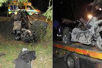 Tragická nehoda u Lipna: Chevrolet narazil do mostku, zemřeli dva lidé