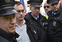 Odpůrce Židů Bartoš míří před soud. Popíral prý existenci plynových komor