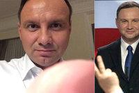 Polský prezident poslal fanynce noční selfíčko: Je na něm prst?!