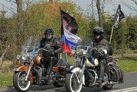Putinovi Noční vlci opustili Česko. V Děčíně je lidé vítali plynulou ruštinou