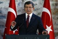 Konec tureckých nadějí na bezvízový styk? Erdogan se zbavil oblíbeného premiéra