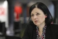 Eurokomisařka Jourová promluvila o domácím násilí: I na mě zaútočil tyran
