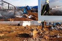 Mrtví a nářek raněných: Takhle to vypadalo v uprchlickém táboře po svržení bomb