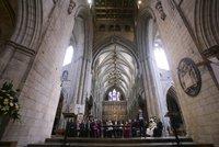 Mezi křesťany, židy i muslimy: Starosta Londýna Khan složil přísahu