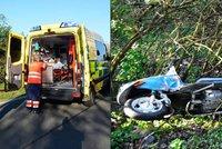 Amputovaná noha, zraněná záda, smrt: Motorkáři bourali po celém Česku