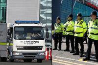 Explozivní trapas: Stadion Manchesteru United evakuovali kvůli zapomenuté atrapě bomby