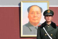 """Čínští komunisté šli do sebe. Kulturní revoluce byla prý """"katastrofální chyba"""""""