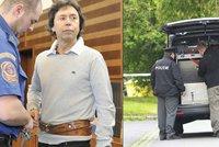 Manévry kvůli bombě: Manželce zavražděného podnikatele Taubeho strčil někdo podezřelý balíček po auto