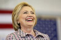 Clintonová utekla o fous stíhání. FBI ji za tajné e-maily jen pokárala