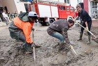 Uprchlická blamáž naštvala Němce: Televize zinscenovala, jak pomáhají při povodních