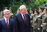 Zeman: Vyvražďování Arménů byla genocida, uznejme to. Zaorálek: Až co historici