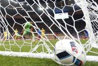 Fotbalové Euro přitahuje podvodníky, vtipálky i teroristy. Na co si dát pozor?
