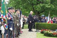 Zeman, Stropnický i norská velvyslankyně v Lidicích. Obec si připomíná vyhlazení
