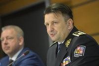 """Policejní šéf Tuhý bude půl roku """"bez papírů"""". Zběsilou jízdu hájil pučem"""
